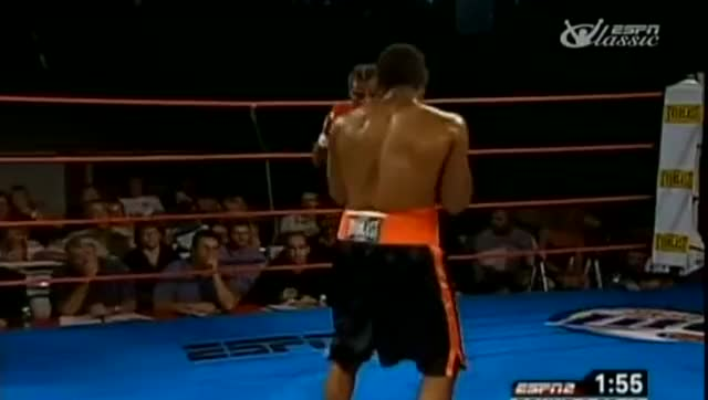 Watch Emanuel Augustus GIF on Gfycat. Discover more boxeo, boxing, drunken boxing, fight, nyrkkeily GIFs on Gfycat