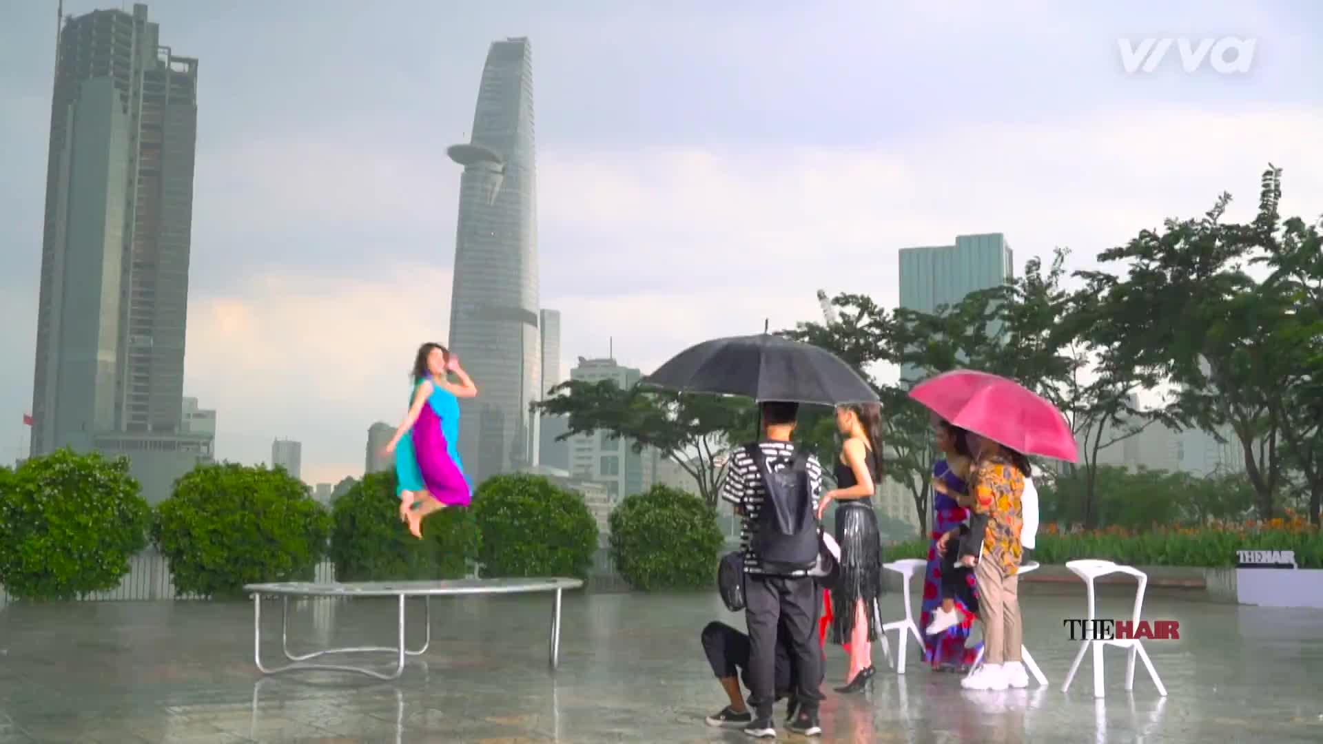 Tập 2 The Look: Duyên ơi, tại sao lại phụ tấm chân tình che mưa che gió của Phạm Hương?