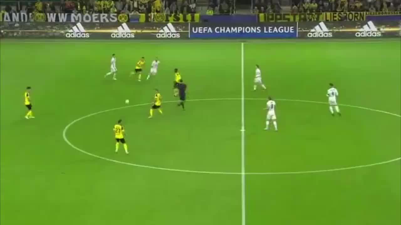 realmadrid, soccer, Raphael Varane outpaces Aubameyang (Dortmund - Real Madrid) (reddit) GIFs