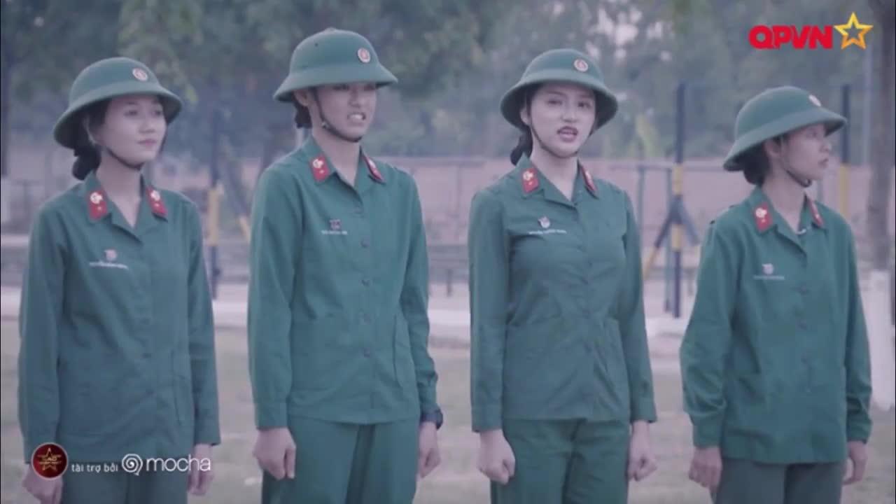 Càng nghiêm túc, Hương Giang lại càng mua vui cho hội chị em Sao nhập ngũ