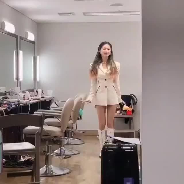 Watch and share Miyeon GIFs and 여자아이들 GIFs by girlgroups_net on Gfycat