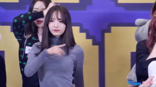 Watch WJSN BONA GIF by Love_Asia (@inw_asia) on Gfycat. Discover more BONA, WJSN, kpop GIFs on Gfycat