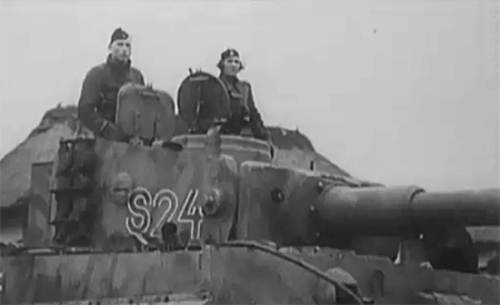 1. SS Panzer Division Leibstandarte Adolf Hitler, 13./SS-Panzer-Regiment 1, 1943, 1st SS Panzer Division Leibstandarte SS Adolf Hitler, Black and White, Eastern Front, Leibstandarte, Leibstandarte Division, Tiger, Tiger 'S24', Tiger tank, Ukraine, armored vehicle, armoured vehicle, crew, gif, gifs, history, military, ostfront, panzer, tank, tank crew, waffen ss, waffen-ss, world war II, wwII,  GIFs