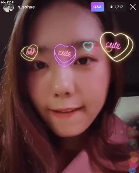 Watch and share 큐트 소혜 GIFs on Gfycat