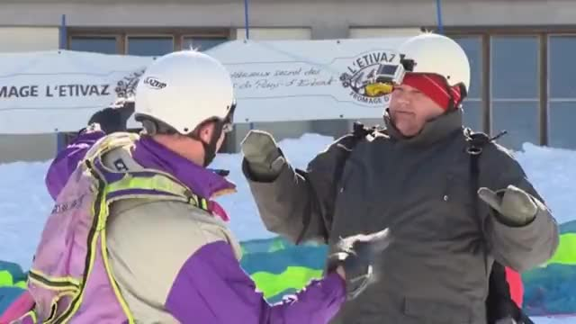 Watch and share [NEW] François L'embrouille - Le Parapente [HD] GIFs on Gfycat