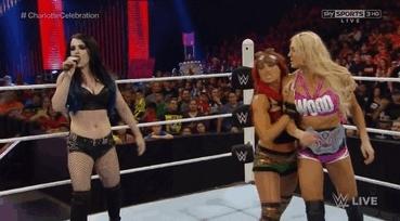 mic drop, Mic Drop WWE Divas GIFs
