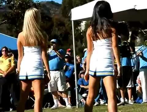 butts, cheerleaders, shake, their, cheerleaders shake their butts GIFs