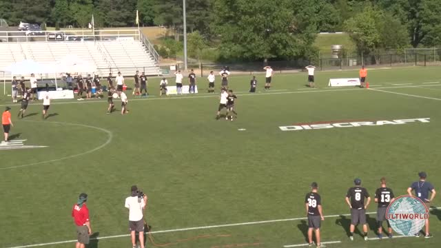 Watch and share Ultimate Frisbee GIFs by yyzlin on Gfycat