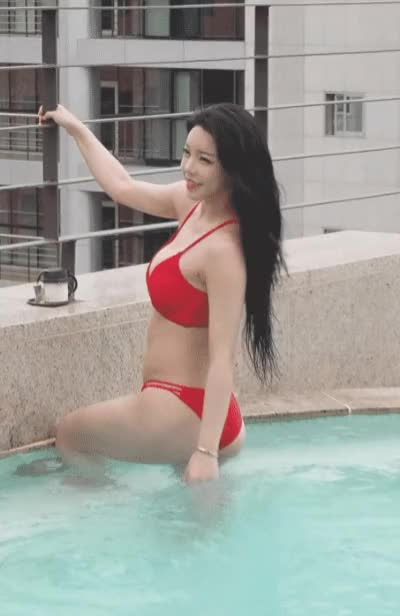 Watch and share 아리샤 비키니 화보 촬영 GIFs on Gfycat
