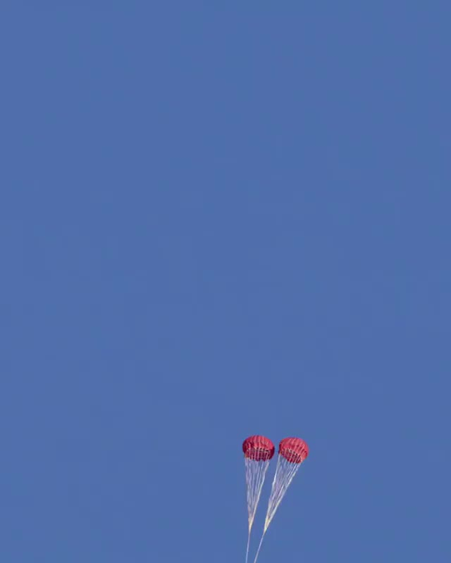 Watch SpaceX Crew Dragon Parachute Test - 2nd View GIF by @nehkara on Gfycat. Discover more Crew Dragon, SpaceX GIFs on Gfycat