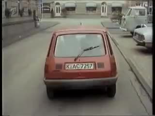 Watch Die Sendung mit der Maus - Das Geteilte Auto Vorstellung GIF on Gfycat. Discover more Auto, Autos & Vehicles, Das, Geteilte, Polar Lykaios, Vorstellung GIFs on Gfycat