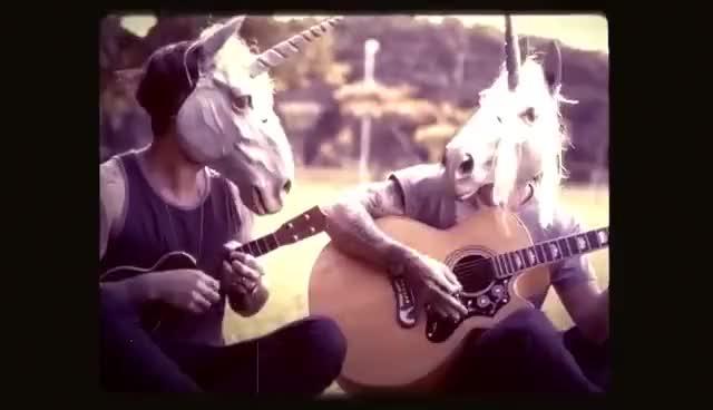 Watch and share Clichê Adolescente GIFs and Manu Gavassi GIFs on Gfycat