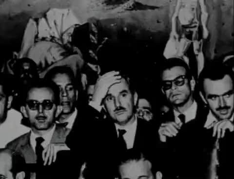 Watch and share JANGO - Como, Quando E Por Que Se Derruba Um Presidente GIFs on Gfycat