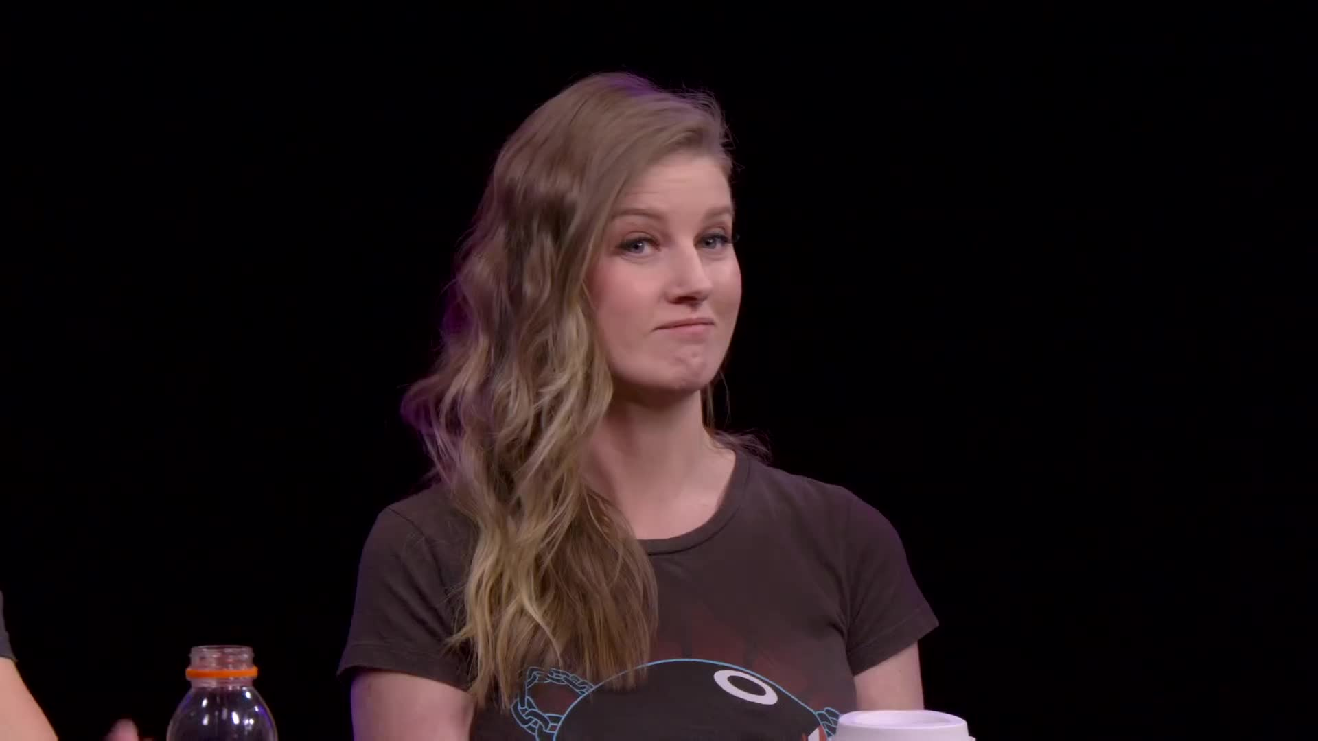 Ashley Jenkins, The Know, burn, hand gesture, innuendo, insults, pinky wiggle, reaction gifs, small, teeny weeny, that's a penis!, Little one - (from the episode 'Bait and Switch') GIFs