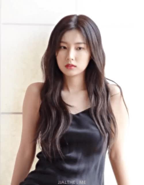 Watch and share 강혜원 포토북 티저 미모 ㄷㄷ GIFs on Gfycat