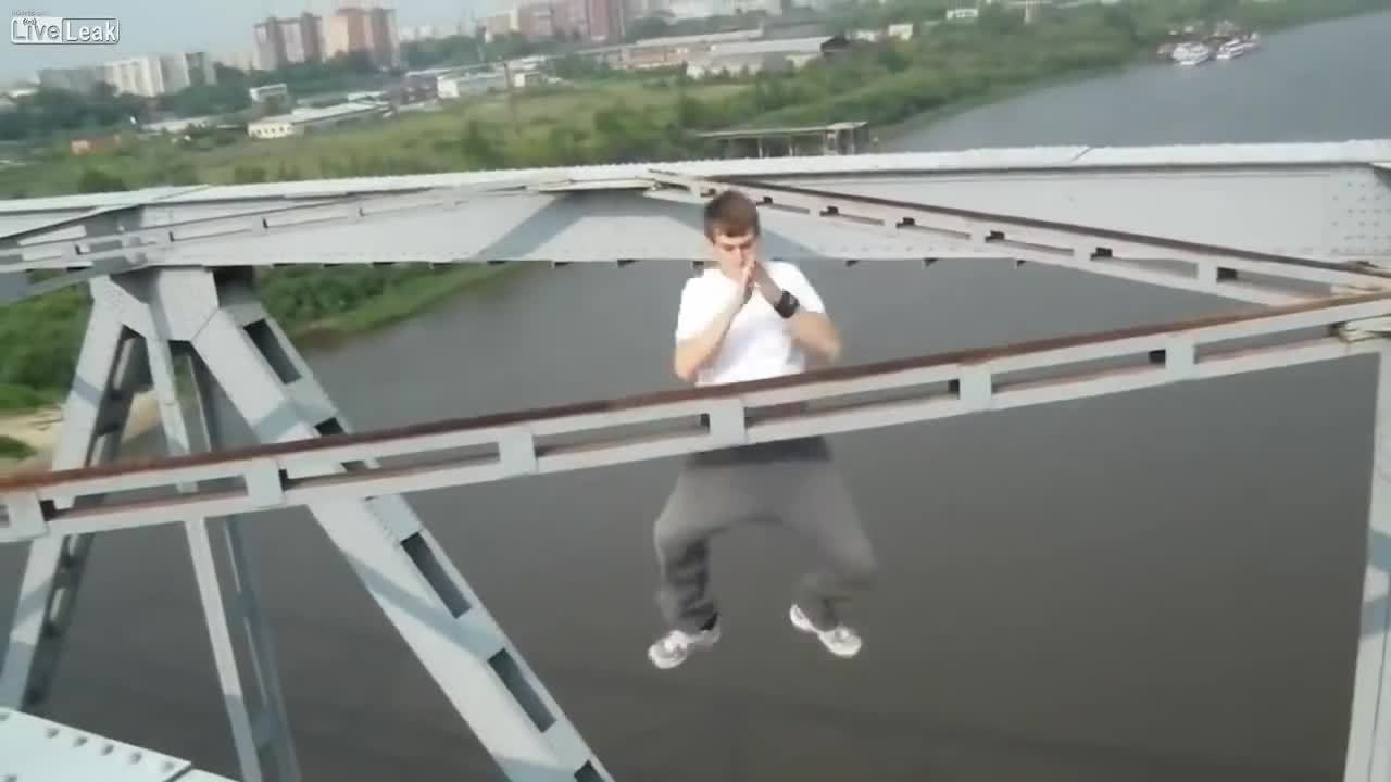 SweatyPalms, dontlookdown, Clapping Pull-Ups On A Bridge GIFs