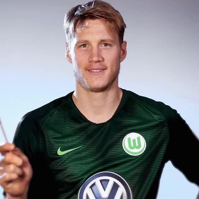 Watch and share 9 Flag China GIFs by VfL Wolfsburg on Gfycat