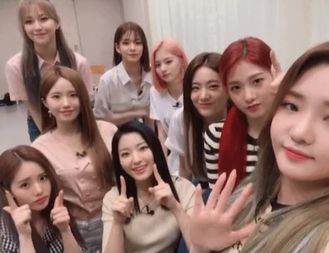 Watch and share Fromis_9 Wave GIFs by xlredlx on Gfycat