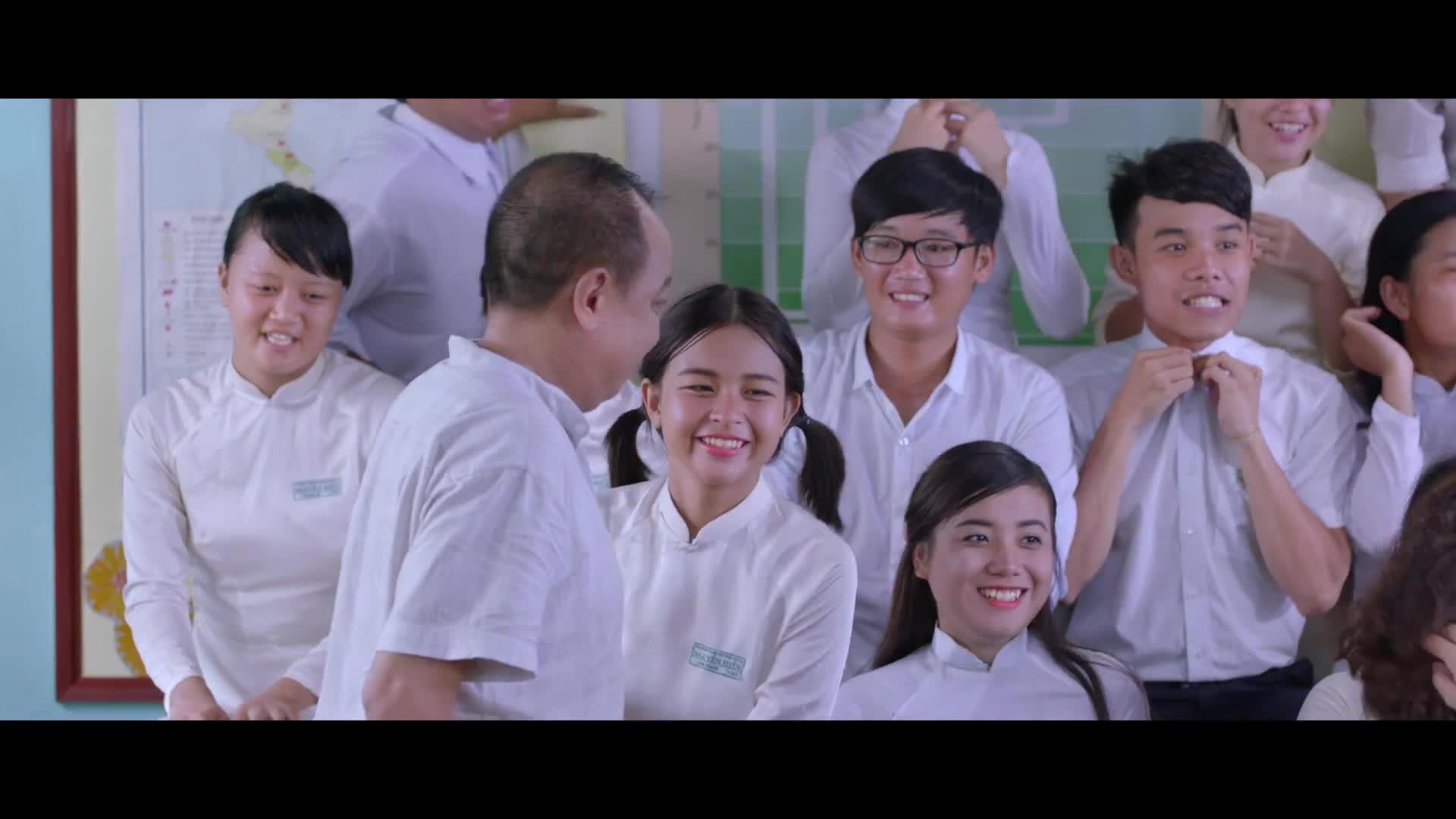 Cô gái đến từ hôm qua nhá hàng MV Tình thơ, gợi lại cả trời kỷ niệm thời áo trắng