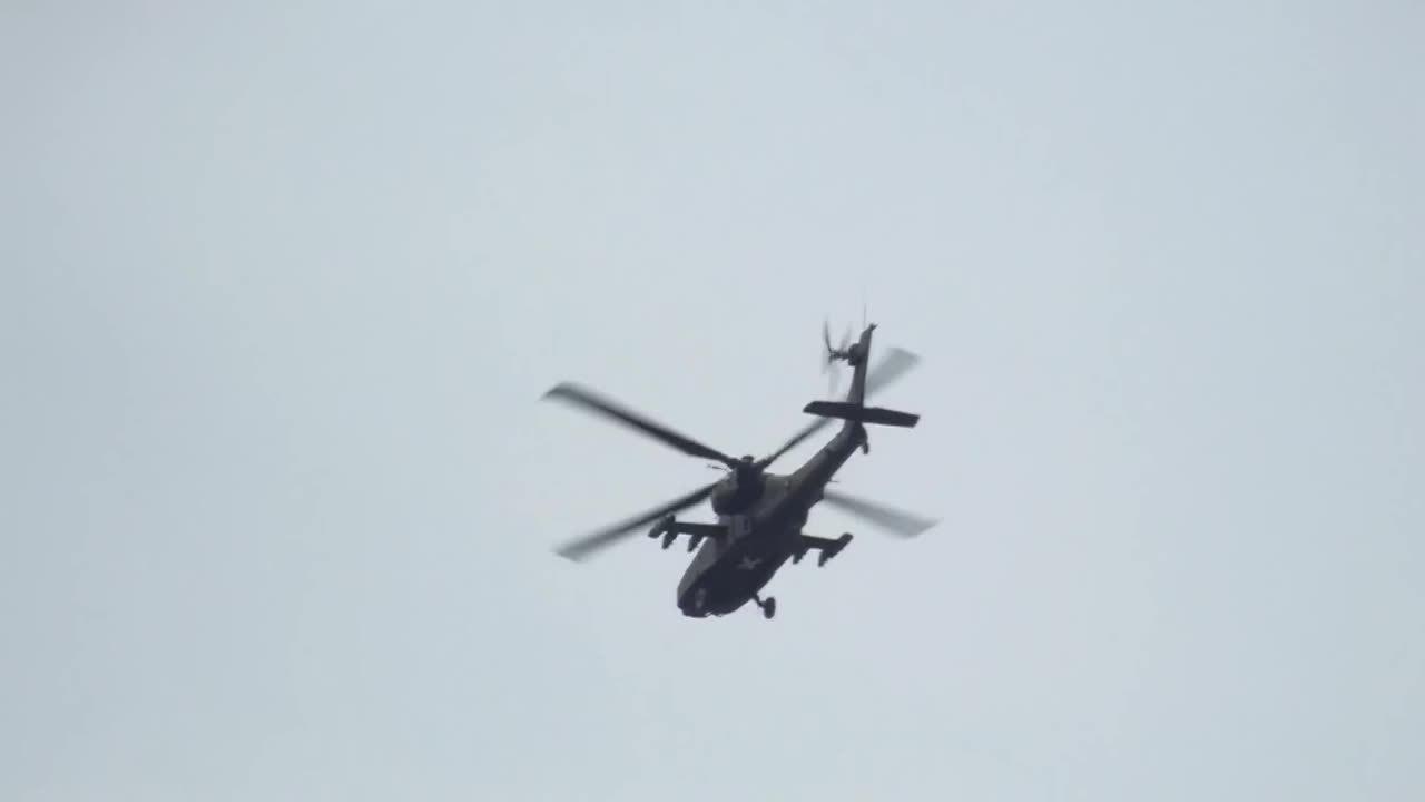 militarygfys, Apache flare maneuvers GIFs
