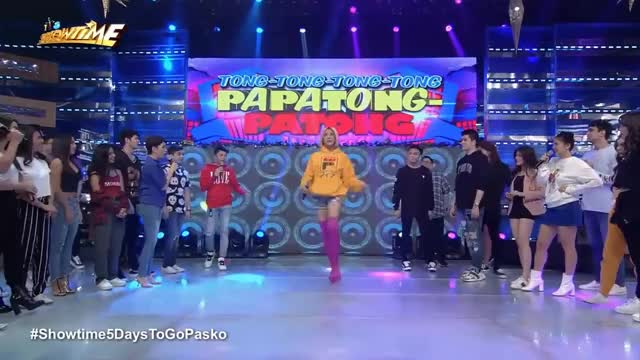 Watch It's Showtime: Vice shows his version of Lava walk GIF on Gfycat. Discover more 20181220online, Bak-lava, abs-cbn, entertainment, online, philippines, showbiz, showtime5daystogopasko, variety, yt0psnelle GIFs on Gfycat