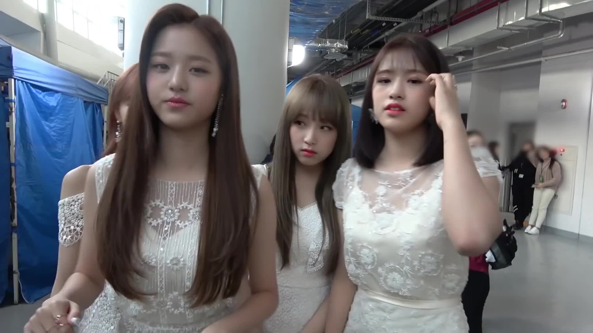 chaewon, izone, wonyoung, yujin, yuri, izone sky castle GIFs