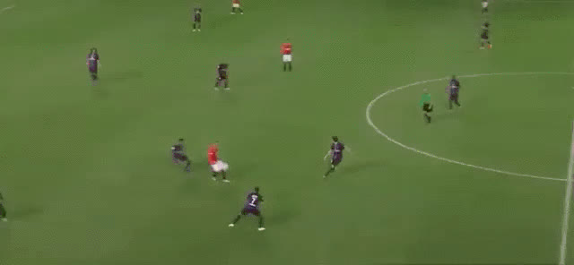 Did Luke Shaw mean this wonderful piece of skill? (fat.gfycat.com) GIFs