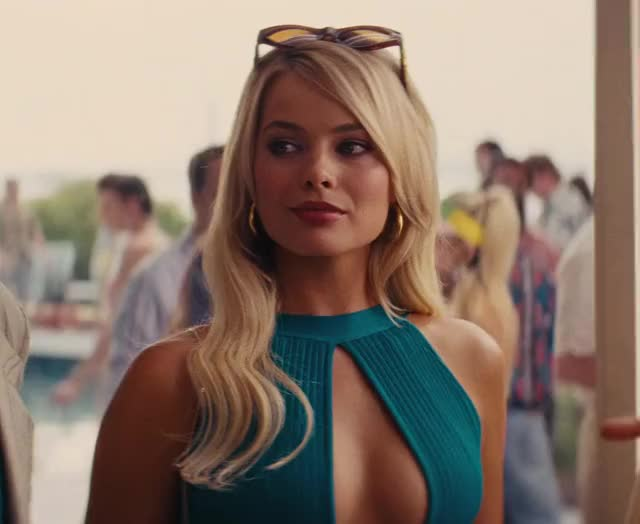 Watch and share Margot Robbie GIFs by hairyape on Gfycat