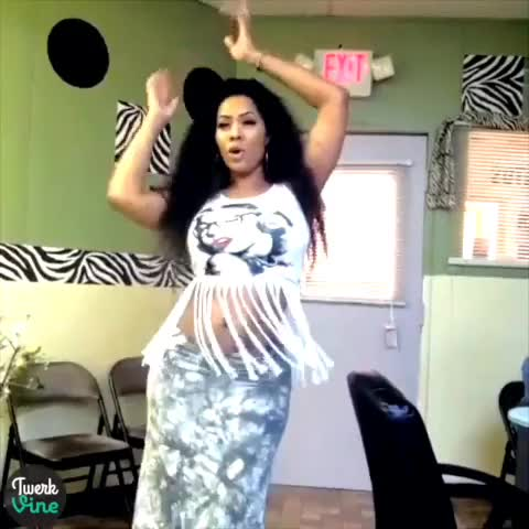 Watch Deelishis Booty Clapping | #twerk #twerkvine #bootyclapping #canyoudothis GIF by @peterw45 on Gfycat. Discover more related GIFs on Gfycat