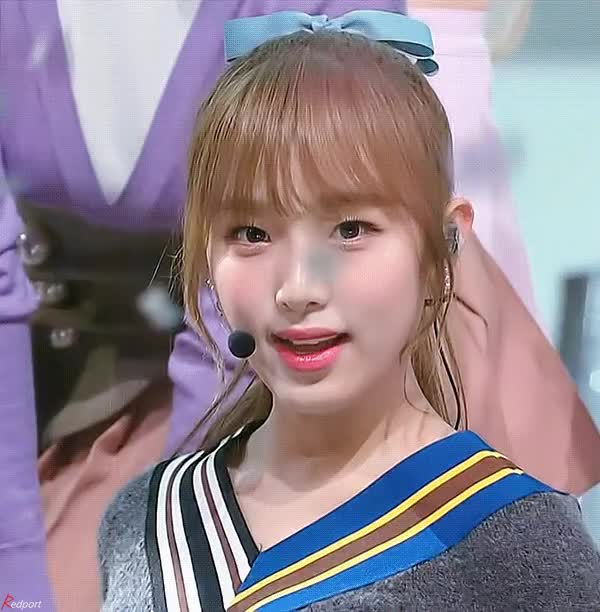 Watch and share Izone GIFs and 최예나 GIFs by 이상형월드컵-supercup on Gfycat