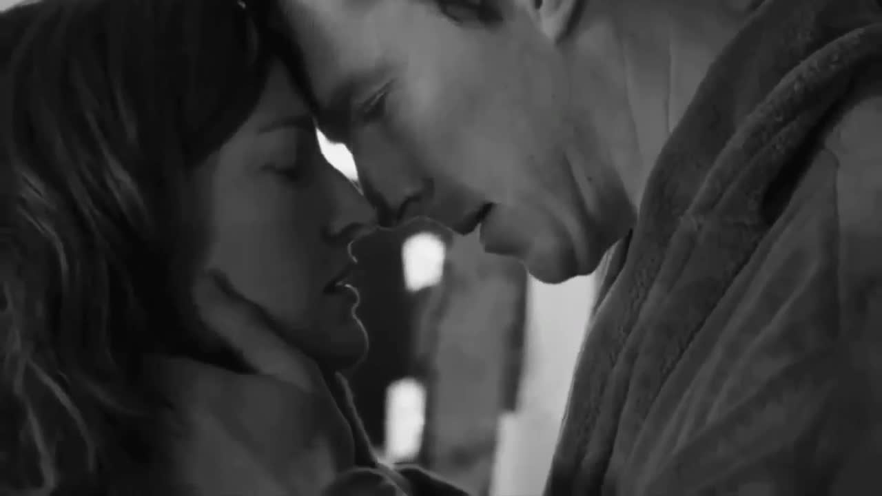 out-hot-passionate-make-out-gif