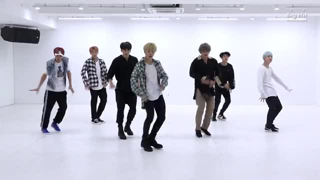 Watch [CHOREOGRAPHY] BTS (방탄소년단) 'DNA' Dance Practice GIF by Koreaboo (@koreaboo) on Gfycat. Discover more BANGTAN, BTS, HIPHOP, RapMonster, SUGA, jhope, 랩몬스터, 방탄소년단, 슈가, 제이홉 GIFs on Gfycat