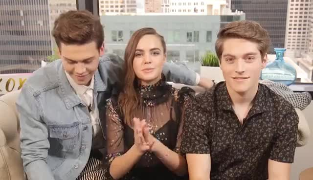 Bailee Madison, Froy Gutierrez & Aidan Alexander Talk Bullying & More | Instant Exclusive | INSTANT GIFs
