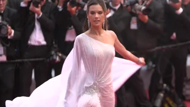 Watch and share Alessandra Ambrosio GIFs and Red Carpet GIFs by mengohmeng on Gfycat
