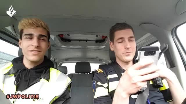 Watch Dylan Peys mee met politievlogger Jan-Willem. GIF on Gfycat. Discover more 2017, A6, PS4, Pokemon, almerebuiten, controle, drank, dylan, dytg, gamekings, hulpverlening, muziek, nacht, police, politiebureau, politieopjehielen, snelweg, steen, vernieling, vlog GIFs on Gfycat
