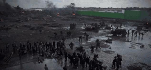Damnthatsinteresting, ThingsThatBlowUp, damnthatsinteresting, Behind the scenes of shooting the beach deployment scene [Edge of Tomorrow] (x-post /r/Moviesinthemaking) (reddit) GIFs