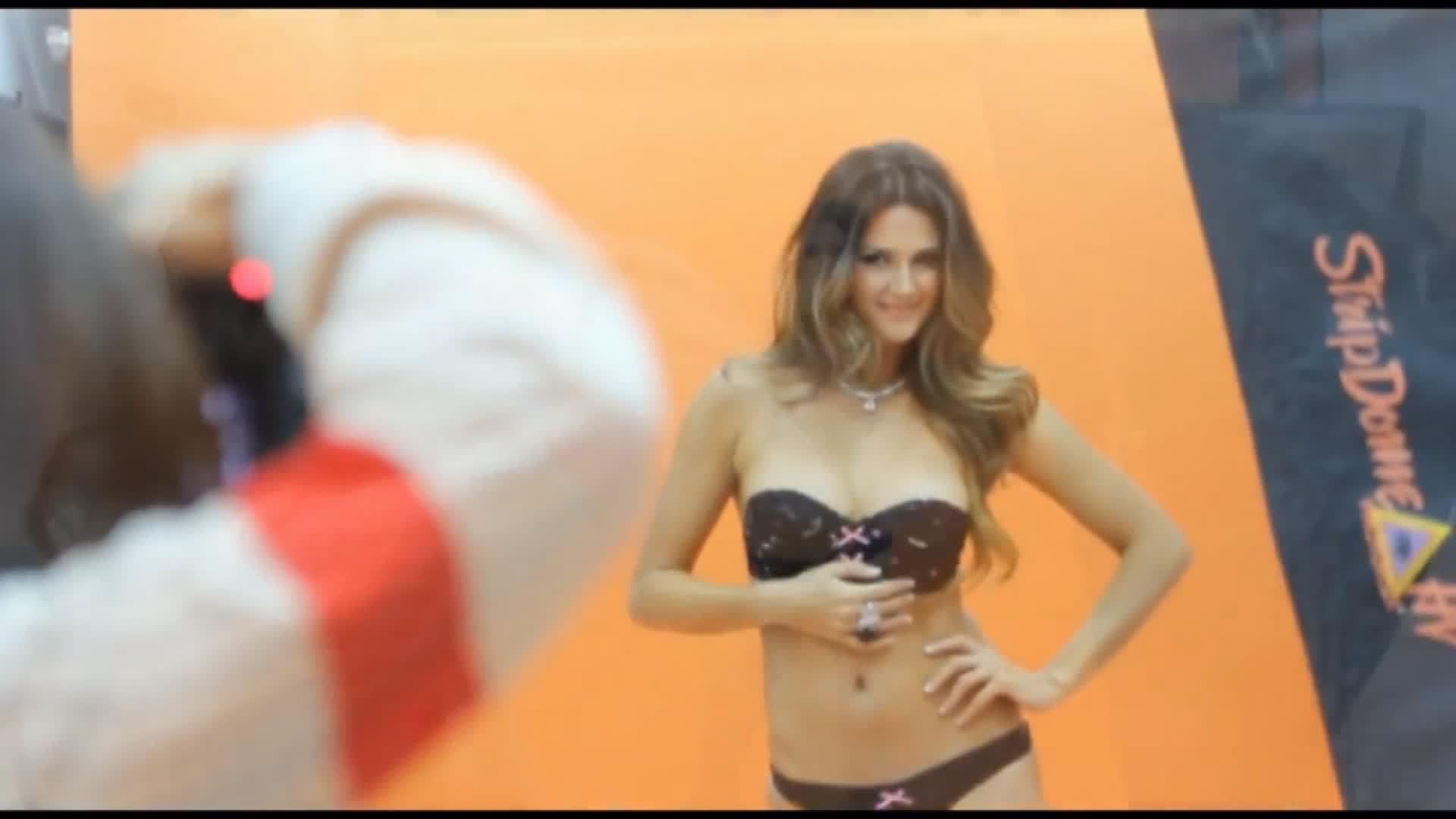 ImagesOfThe2010s, girlsplayingsports, imagesofthe2010s, Leryn Franco ~ Para Revista TVO [2012] GIFs