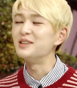 angel, blonde jinki, blonde onew, cute, everybody, everybody era, gif, gifset, hello counselor, hello talk show, jinki, kbs hello, kbs hello counselor, kbs hello talk show, lee jinki, mine, onew, prettiest boy in the world, serious, shinee, variety show, Yell Softly Jinki GIFs