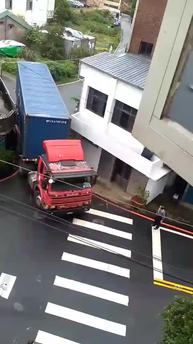 Watch this GIF on Gfycat. Discover more ImageStabilization, TruckerSlobs, interestingasfuck GIFs on Gfycat
