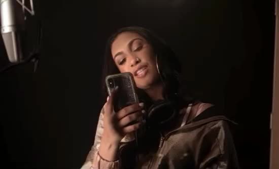 I, I love you, good, goodnight, hand, iphone, kiss, kisses, love, mama's, miss, naija, night, phone, queen, u, you, Queen Naija - Mama's Hand GIFs