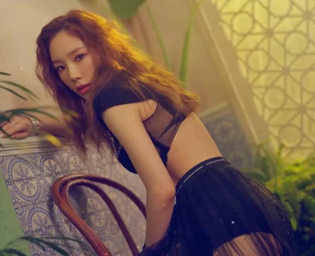 Watch and share SNSD - Taeyeon 180905 2 GIFs by Dang_itt on Gfycat