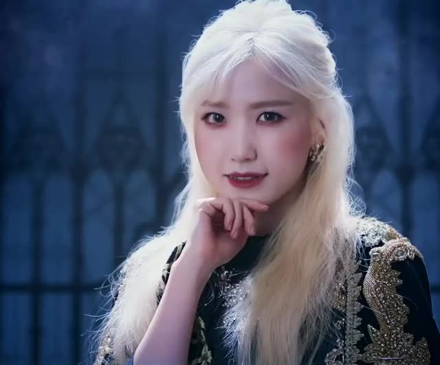 Watch and share Hitomi - Vampire GIFs by seulgimomo on Gfycat
