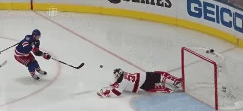 Watch and share Hockey GIFs and Save GIFs by Hokej a vše kolem něj on Gfycat