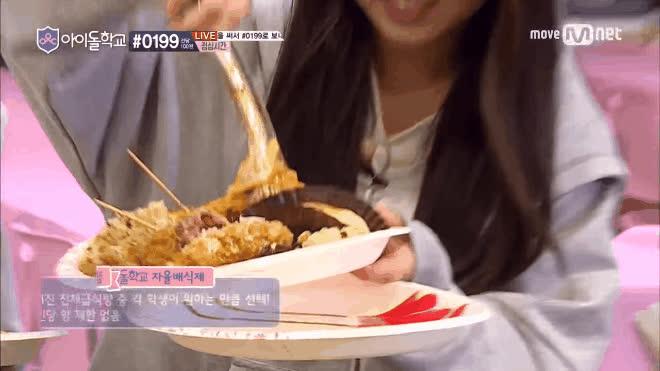 Hình tượng có là gì, đồ ăn mới là tất cả đối với các nữ sinh Idol School