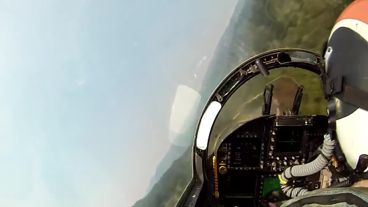 Damnthatsinteresting, aviationgifs, F/A-18 Flying Low through the Canyons of Northern California (reddit) GIFs