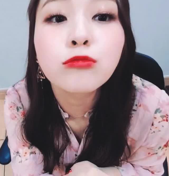 Watch Gahyeon kiss GIF by KenGarfield (@mrkenko0l) on Gfycat. Discover more mrkenko0l GIFs on Gfycat