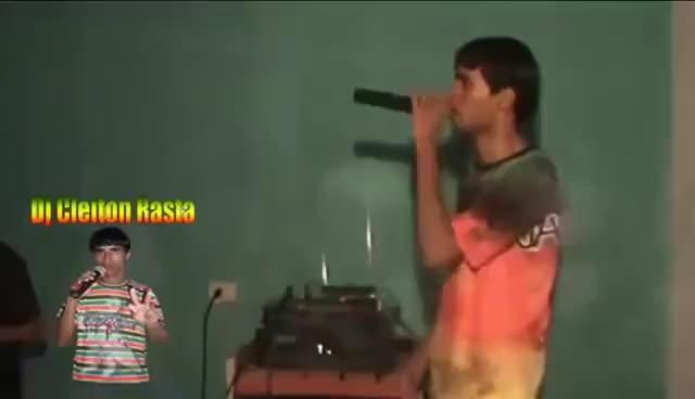 Watch and share Fogo Na Babilônia - Cabeça De Gelo GIFs on Gfycat