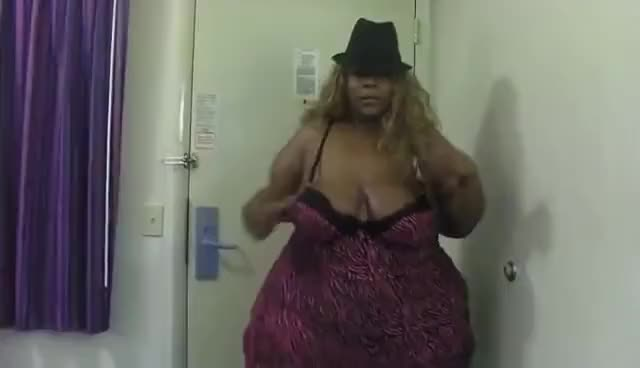 Watch and share Bbw Divaaa GIFs on Gfycat