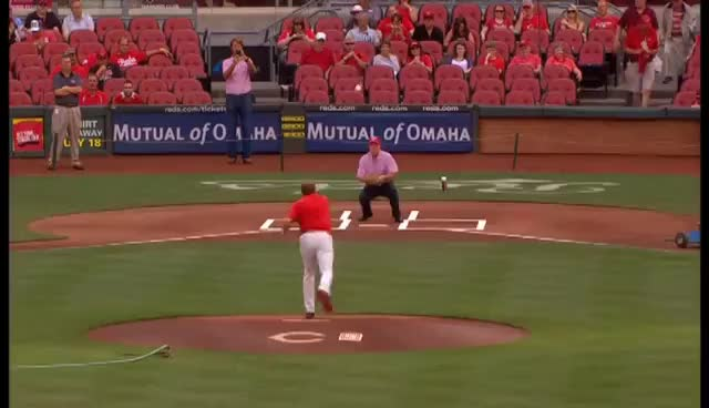 Reds Tribute to Barry Buse GIFs