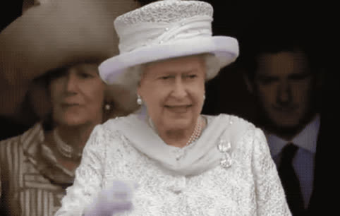 adios, british, bye, cute, elizabeth, family, farewell, goodbye, hello, hey, hi, lady, old, queen, royal, smile, uk, wave, waving, white, Queen Elizabeth - Hi GIFs